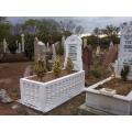 Sandukalı Kabir - Mezar Taşı
